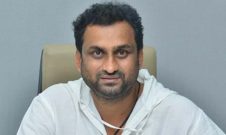 yatra movie director mahi v raghava comments on politics