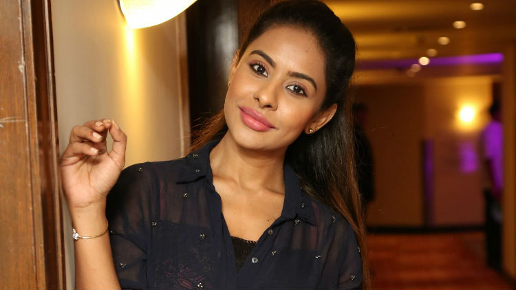 Sri Reddy Leaks Base Changed From Tollywood to Tamil Film Industry