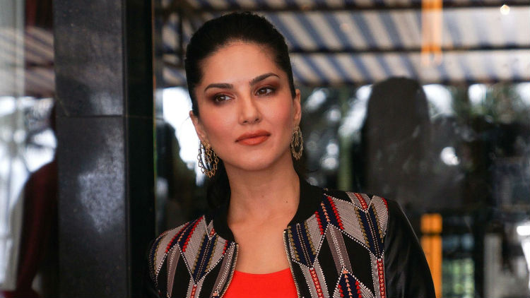 Sunny Leone's Veeramadevi to face Protest in Bangalore