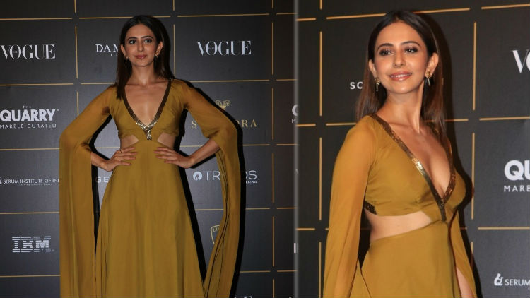 Rakul Preet Singh Latest Hottest Attire and Sexy Cleavage Show