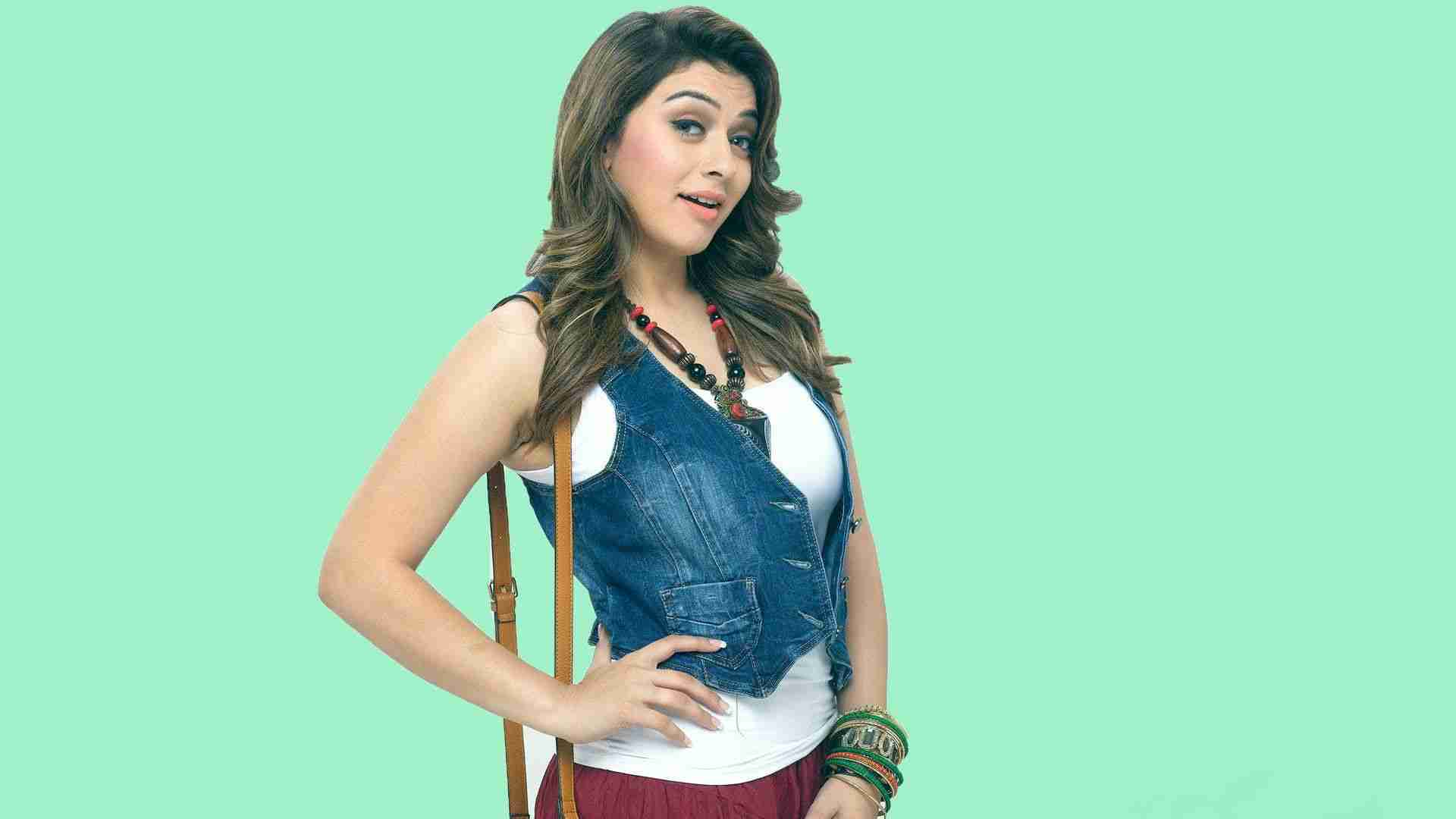 Sexiest Actress Hansika Will Announce 50th Movie on Her Birth Day